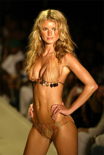 Marisa Miller posing on the runway!